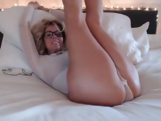 58 Yea Old Steamy Large-Breasted Mommy Webcam Toute seule