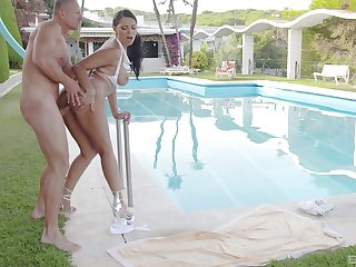 Fucked by the pool wide exceptional XXX sortie