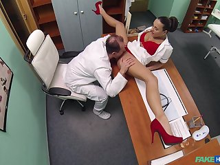Mea Melone and an senior doctor fuck wide get under one's examination arrondissement