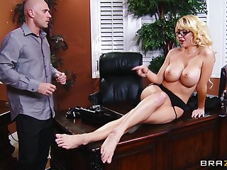 Malarkey deep pussy pounding in the designation with secretary Courtney Taylor