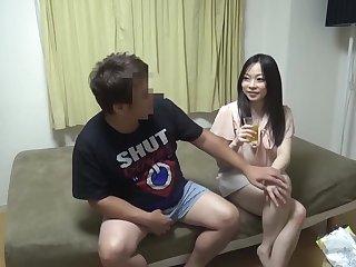 DIPO-079 マル秘隠し撮り映像流出!! 中年おやじが隠し撮りした爆乳人妻との密着汗だくSEX 3 世間知らずの人妻がおやじの口車にのせられ